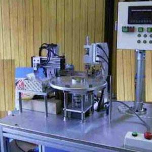 抵抗器キャップ自動溶接機